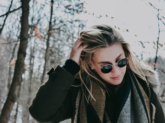 Медики дали рекомендации по выпадению волос из-за коронавируса