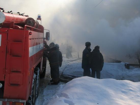В Ивановской области горел большой частный дом