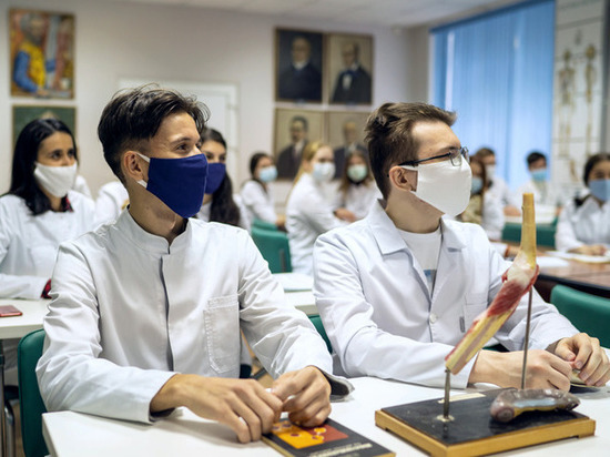 Новая стипендия: студенты-медики из ЯНАО будут получать по 10 тыс. за целевое обучение