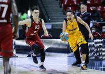 Всего два дня продолжались новогодние каникулы в чемпионате баскетбольной Единой лиги. В воскресенье 3-го января состоялись четыре матча с участием, что примечательно, всех фаворитов сезона - клубов так называемой Большой пятерки.