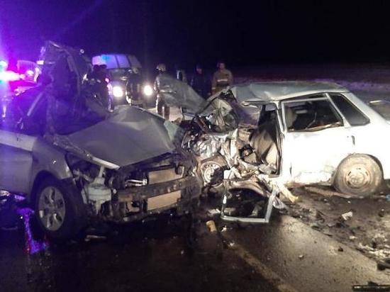 Шесть человек погибли в страшной аварии под Смоленском вечером 5 января