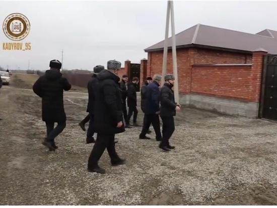 Фонд Кадырова подарил частные дома малоимущим в Чечне