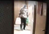 В социальных сетях обсуждают кражу продуктов из холодильника пожилых новосибирцев