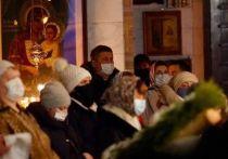 В преддверии Рождества Радий Хабиров поделился фотографиями из церкви