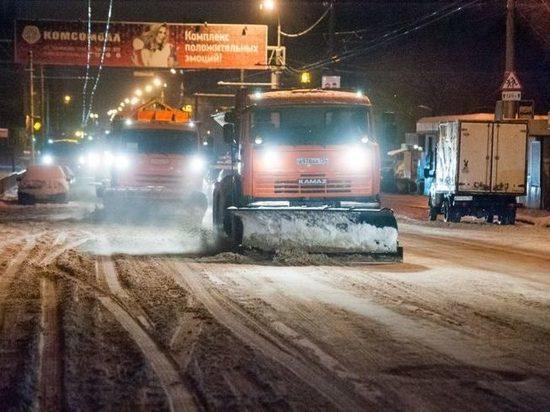 Улицы Волгограда начала чистить снегоуборочная техника