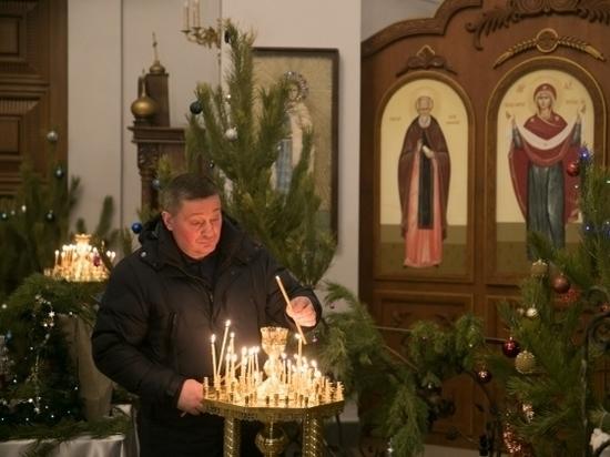 Андрей Бочаров посетил храм Всех Святых на Мамаевом кургане в канун Рождества