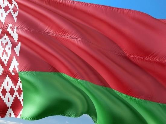 В Белоруссии утвердили новый герб: стало меньше России