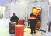 В тундру Ямальского района доставили топливо и подкормку для оленей