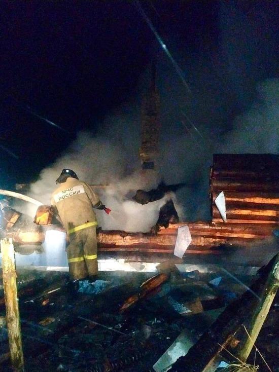 80-летняя женщина погибла в горящем доме в Руднянском районе