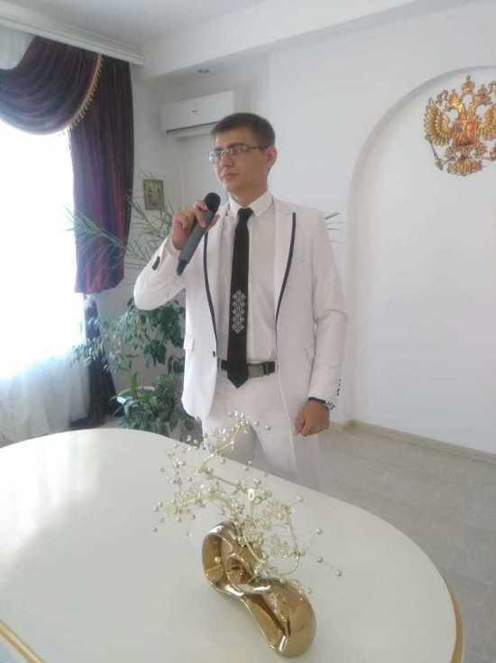 Первый на Ставрополье мужчина-регистратор браков работает в Степновском ЗАГС
