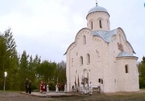 Президент Владимир Путин, как известно, встретил Рождество в церкви Николы на Липне