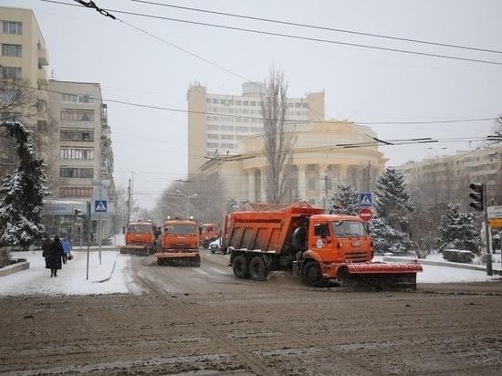 500 тонн реагентов нанесли на волгоградские дороги за ночь
