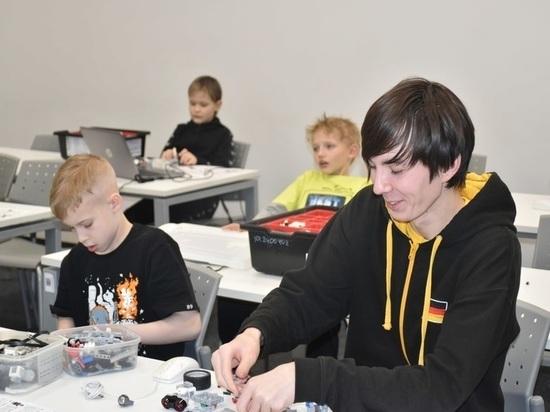 Школьники с Ямала на каникулах побывали в Иннополисе