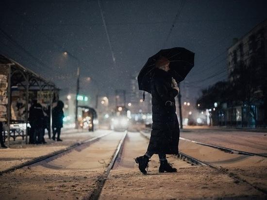 Волгоградцев предупреждают о ливнях и снегопаде