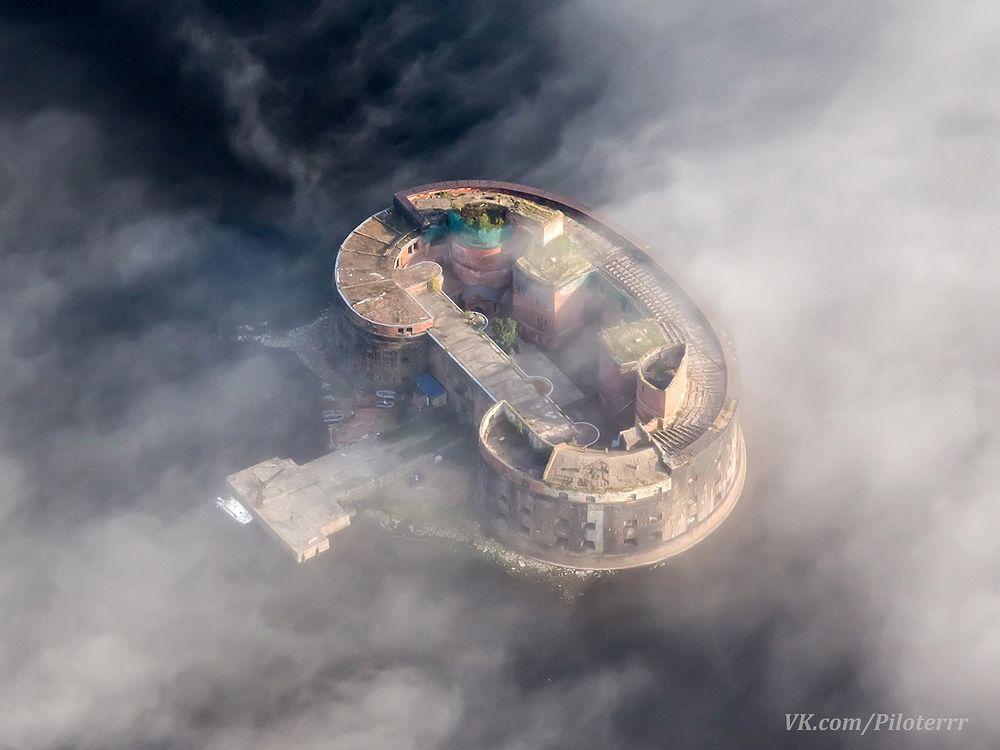 Любил небо и землю: снимки, сделанные погибшим в Ленобласти пилотом