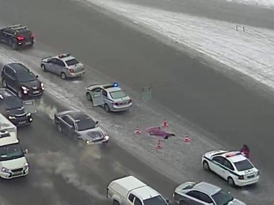В центре Новосибирска Range Rover насмерть сбил пешехода и сбежал