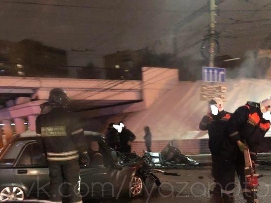 Под путепроводом на Московском шоссе в Рязани произошло серьезное ДТП