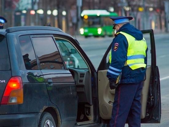 В Челябинске 26-летний пассажир напал на таксиста с ножом