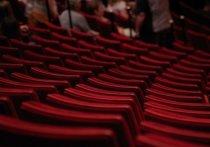 Конфликт между актером Сергеем Поповым и художественным руководителем «Театрального особняка» Леонидом Красновым произошел в ночь с пятницы на субботу