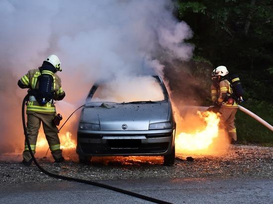 Сотрудники МЧС выяснили причину многочисленных автопожаров в Кузбассе