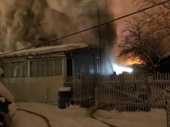 В Ноябрьске сгорел жилой многоквартирный дом