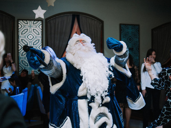 Дед Мороз рассказал о трудностях новогодних корпоративов