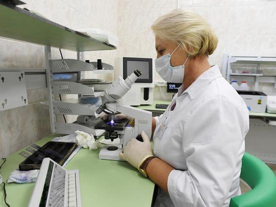 Врач-инфекционист назвал наиболее опасные места в коронавирусном Петербурге