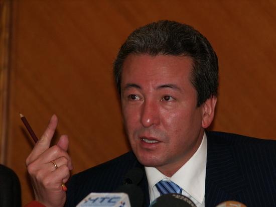 Кандидаты в президенты Кыргызстана не признают итоги выборов