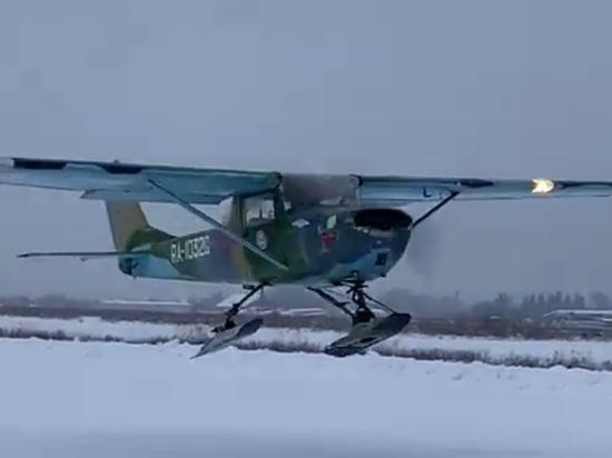 В Калужской области самолет поставили на лыжи с элетротормозами