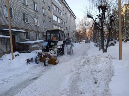 На уборке улиц Йошкар-Олы работают 32 машины