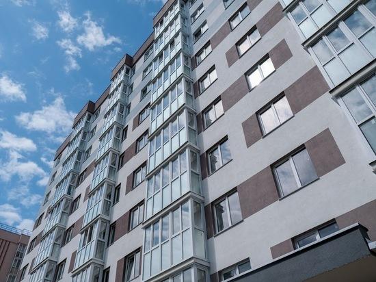 В Волгограде 15-летний школьник сорвался с крыши многоэтажки