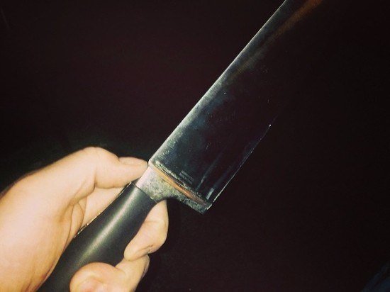В ЯНАО 17-летнего парня будут судить за нападение с ножом на посетителей банка
