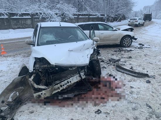 Появилось фото страшного лобового ДТП в Тверской области