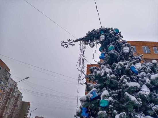 Вандалы порвали ёлочную гирлянду в Серпухове