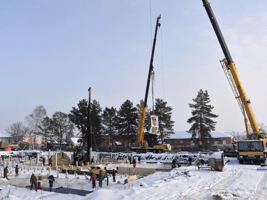 Евгения Рубцова оценила ход строительства новой школы в Сасове