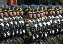 Командование армии Китая намерено снаряжать солдат, дислоцированных в Тибете, защитными шлемами новой разработки с кнопкой самоликвидации