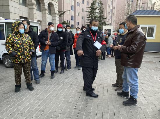 В Китае испугались новых вспышек коронавируса из-за лунного Нового года