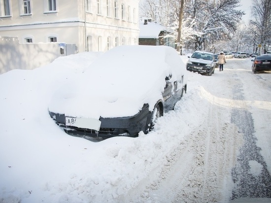 В Ярославле машины, мешающие уборке улиц, будут увозить на штрафстоянки