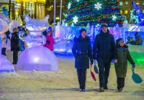 За время новогодних праздников ледовый городок на площади Революции посетили 80 тысяч человек