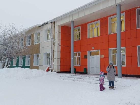 Открытая регистратура и игровая зона: в Новом Уренгое ремонтируют детскую поликлинику