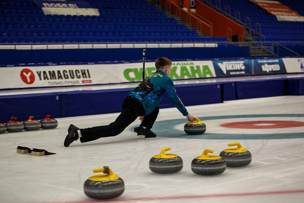 Иркутские керлингисты выиграли бронзу на первенстве СФО в Иркутске