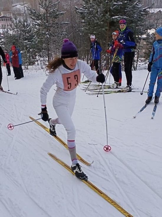 Олимпийская чемпионка по биатлону выиграла гонку на лыжах прошлого века