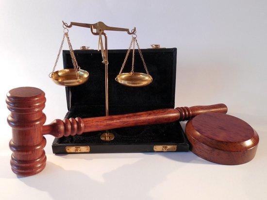 В Удмуртии осудили экс-полицейского, обвиняемого в получении взяток