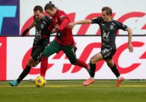 Российский футбольные клубы отправились на свои первые за 12 месяцев полноценные сборы