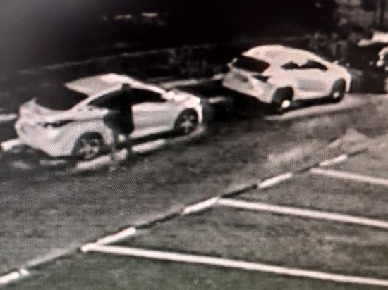 Вандал ночью повредил в Севастополе пять дорогих автомобилей