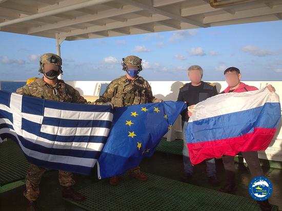 Владелец российского корабля рассказал о высадке военных НАТО на борт