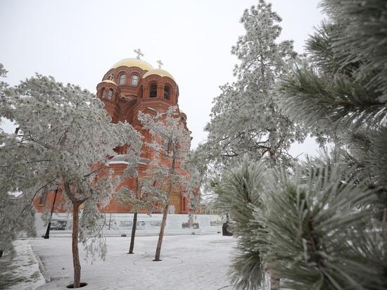 Волгоградцев 14 января ожидает мокрый снег на проводах и гололед