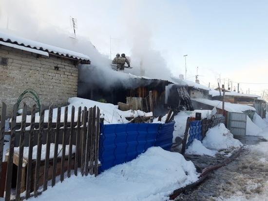 В Копейске загорелся многоквартирный дом