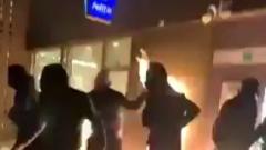 Толпа разгромила полицейский участок в Брюсселе после смерти задержанного