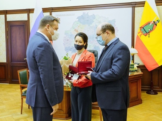 Николай Любимов наградил многодетную семью из Рязани